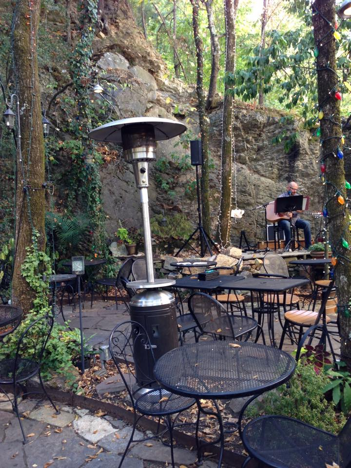 Rolando's patio in Hot Springs, AR